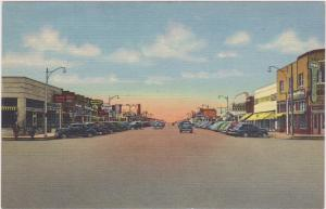 Broadway looking West , HOBBS , New Mexico , 30-40s ; Drug Store