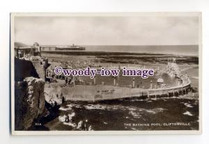 tq2056 - Kent - The Bathing Pool and Pier, at Cliftonville, Margate - Postcard