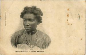 CPA DIEGO-SUAREZ Femme Malgache MADAGASCAR (709621)