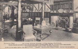 TAUNTON , Somerset , England , 00-10s ; Entrance Hall , Ye Olde Tudor House ;...