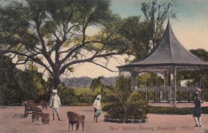 POONA , India , 00-10s ; Bund Gardens showing Bandstand