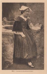 French woman , Costume de Ste.-ANNE-d'AURAY , France , 00-10s