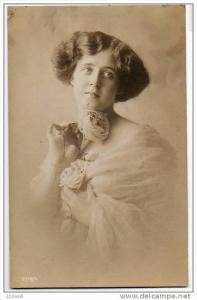 RP Edwardian Pretty Lady / Girl Fashion  postcard , 1900´s -10´s , #23
