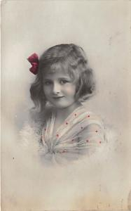 Young girl with bow in her hair Child, People Photo Postal Used Unknown