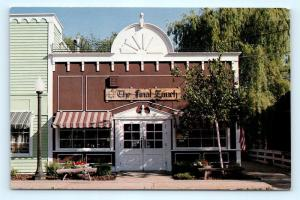 Postcard IL Long Grove The Final Touch Gift Shop F18