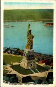 US AERIAL VIEW STATUE OF LIBERTY NEW YORK HARBOR LINEN POSTCARD POSTED