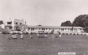 RP: OSHAWA , Ontario , Canada , 1920-40s ; Motel Tremeddan