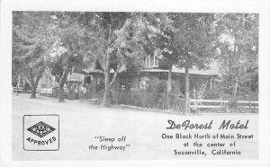 DeForest Motel, Susanville, California Hwy 36 Roadside ca 1950s Vintage Postcard