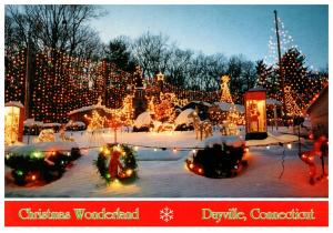 Connecticut , Dayville , Whipple's Christmas Wonderland ,  Approach