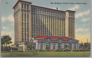 Detroit, Mich., The Michigan Central Depot - 1943