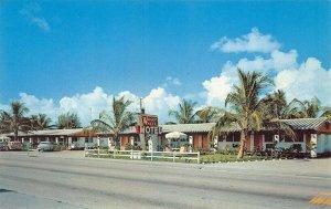 Hollywood FL Wagon Wheel Motel Old Cars Postcard