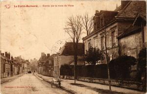 CPA La FERTÉ-BERNARD - Entrée par la route du MANS (390904)
