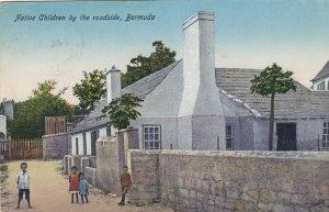 Bermuda , 00-10s ; Native children by the roadside