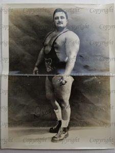 Bodybuilder Doug Hepburn 8 x 10 Autograph Photo *CREASED* D20002