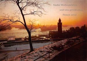 Hamburg Landungsbruecken Sonnenuntergang Gesamtansicht Winter