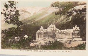 RP; BANFF , Alberta , Canada , 20-40s ; Banff Springs Hotel