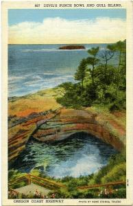 Devil's Punch Bowl and Gull Island - Oregon Pacific Coast Highway - Linen
