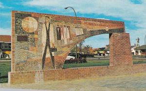 Medicine Hat , Alberta, Canada , 1974 ; Mosaic Arch