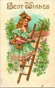 Vtg Carte Postale 1900s Estampé & Doré Best Souhaits Fille Cueillette Fleurs Sur