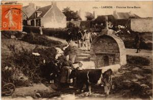 CPA Larmor Fontaine Notre-Dame FRANCE FOLKLORE (789343)
