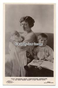 r2228 - H.R.H. Princess Mary with baby Gerald & George reading a book - postcard
