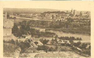 Avignon, La Tour de Philippe-Le-Bel et le Palais des Papes