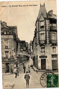 CPA Laval-La Grande Rue vue du Pont Vieux (186599)