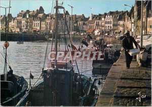 Postcard Modern Brittany color Croisic The fishing port and fishing boats docks