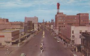 FARGO , North Dakota , 50-60s : Broadway Looking North