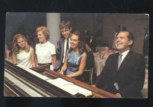 UNITED STATES PRESIDENT RICHARD NIXON & FAMILY VINTAGE POSTCARD SIGNATURE