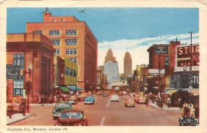 Canada, Windsor, Ouelletta Ave., auto, cars, animated street, Montreal Bank 1952