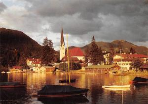 Rottach Egern am Suedufer des Tegernsees Oberbayern Lake Boats