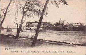 France Avignon Ensemble du Pont Benezet et Palais des Papes