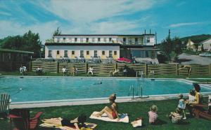 Swimming Pool,  Motel Murray Bay Enr. La Malbaie,  Quebec,  Canada,  40-60s