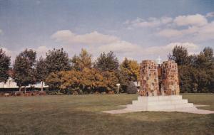 Memorial Park, Cenotaph, WETASKIWIN, Alberta, Canada, 40-60's