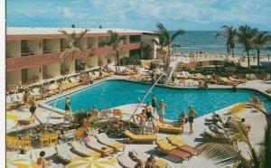 MIAMI BEACH , Florida , 50-60s ; Sahara Motel , Swimming Pool