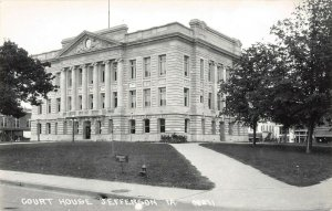 LP29 Jefferson   Iowa Postcard RPPC Court House