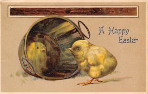 Easter~Fat Yellow Chick See Reflection in Bottom of Bucket~Embossed~Glatt Serie