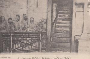 Caveau de St-Michel (Bordeaux) , France , 00-10s - La Mere et l'Enfant