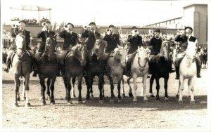 Horse Sports - Horse en Trumpets - Real Photo 03.98