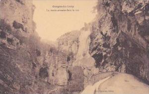 France Gorges du Loup La route creusee dans le roc