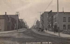 RP: BRACEBRIDGE , Ontario, Canada, 1908 ; Main Street (dirt)