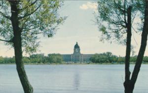 Parliament Bldg & Wascana Lake , REGINA , Saskatchewan , Canada , 50-60s