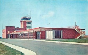 1960s Airport Terminal Wilmington Delaware Postcard 13223