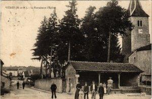 CPA VITREY La Fontaine et Eglise (864785)