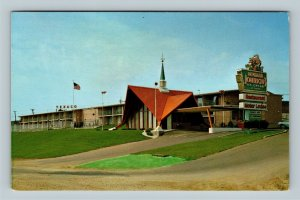 Madison WI, Howard Johnson's Motor Lodge, Chrome Wisconsin Postcard