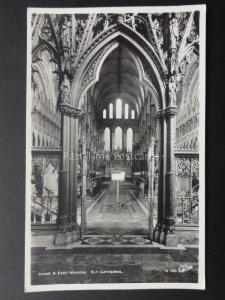 Cambridgeshire: Ely Cathedral Choir & East Window - Old RP PC by Walter Scott