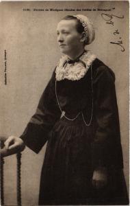 CPA Femme de Huelgoat - Etudes des Coiffes de Bretagne - Folklore (482929)