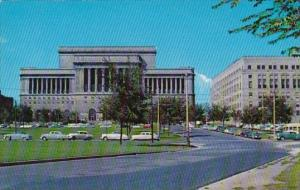 Wisconsin Milwaukee Mac Arthur Square Showing Court House And Safty Building
