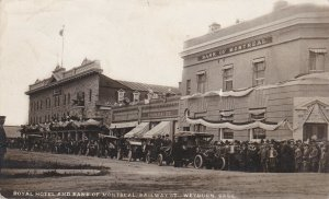 RP: WEYBURN , Saskatchewan , Canada , 1910 ; Royal Hotel & Bank of Montreal